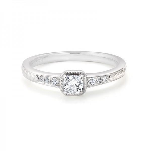 18KW Black Label Square Diamond Ring